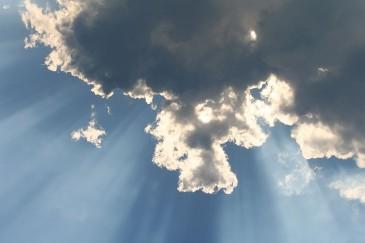 sun rays, clouds